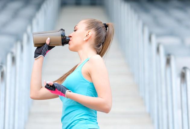 筋トレにプロテインが必要な理由!摂取方法や飲むタイミングを紹介