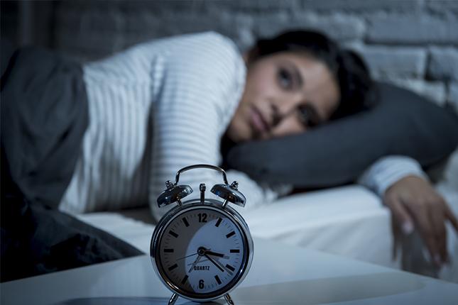ない なぜ 眠れ 暗いと眠れない心理はなぜ?隠された本音